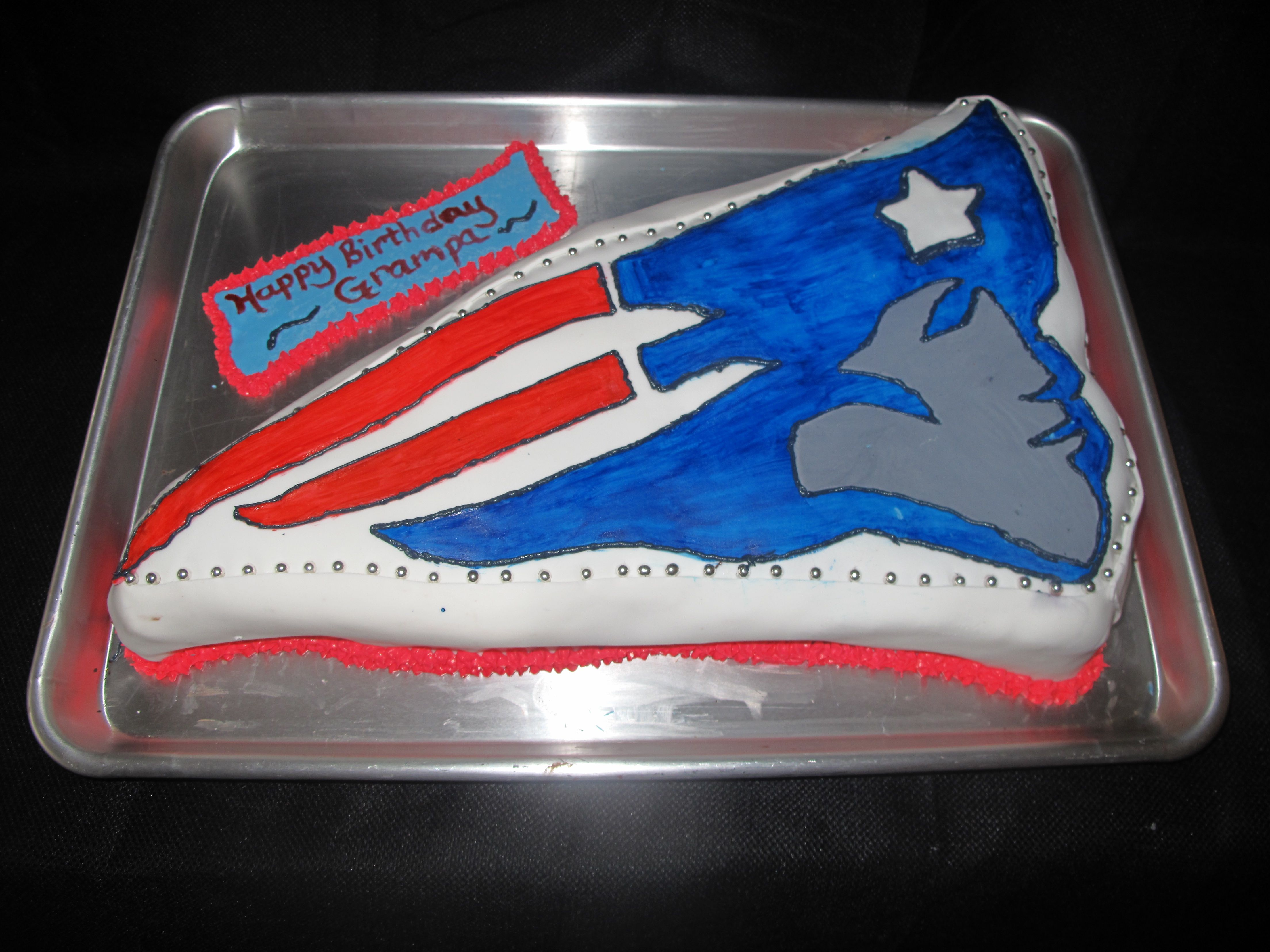 The Perfect Birthday Cake For A Patriots Fan Sport Cakes Patriots Fans New England Patriots Football