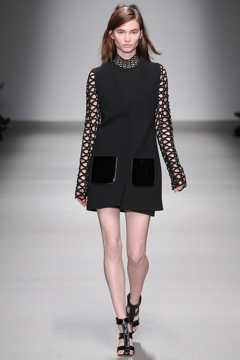 David Koma Fall 2015 RTW Runway – Vogue