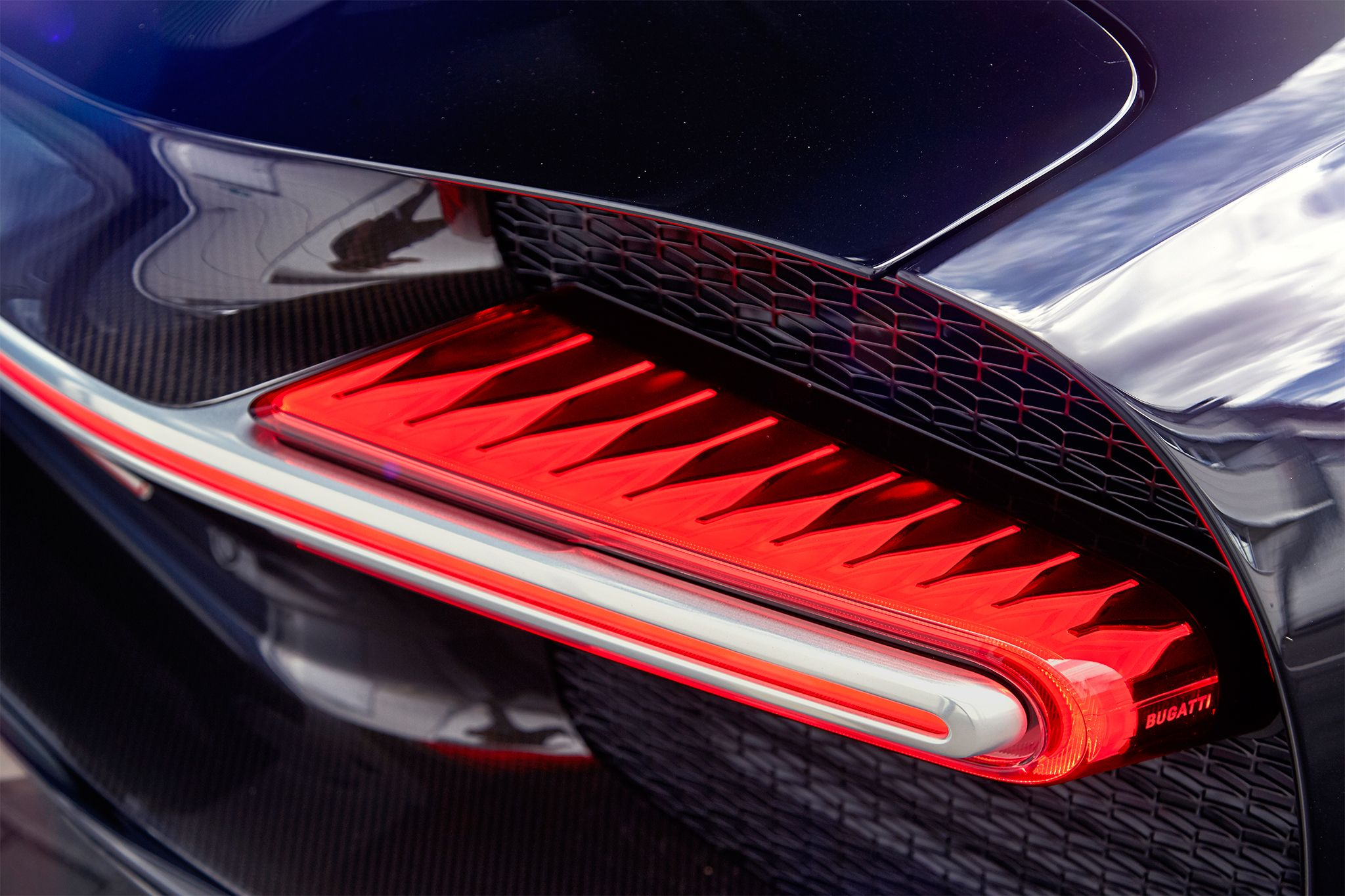 Bugatti 2017chiron Taillight Automotive Design Bugatti