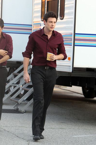With pants color what black dress shirt How to
