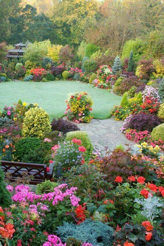 Idée par slah jemm sur gardens | Jardin d'automne, Beaux jardins, Jardins