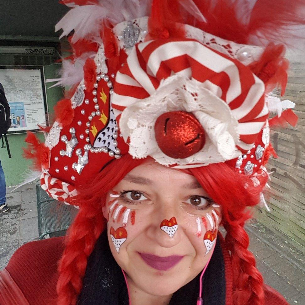 Ruhazat Von Gergely Timea Rot Weiss Schminken Karneval Karneval