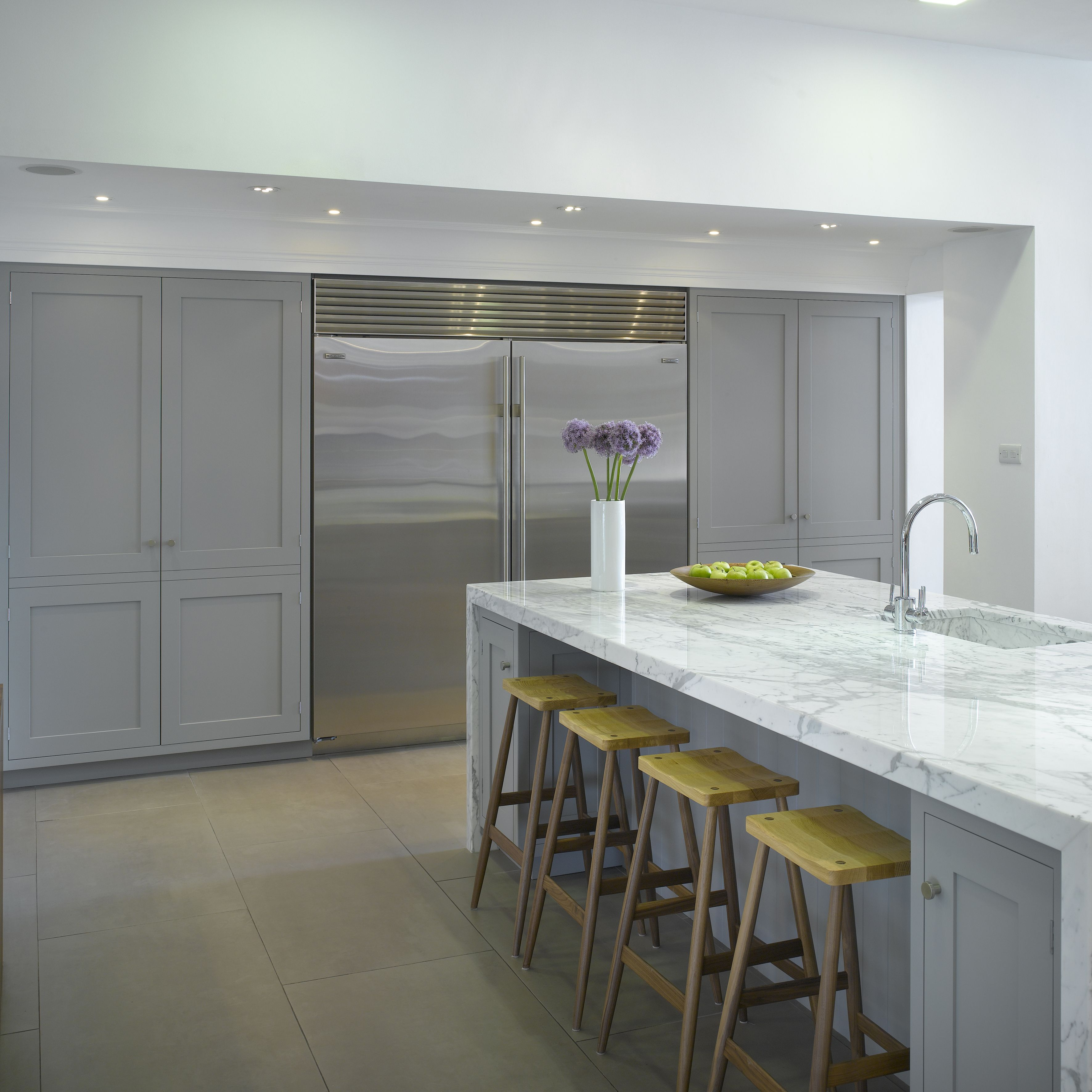 Roundhouse Classic Bespoke Kitchen With Carrara Marble Worksurface