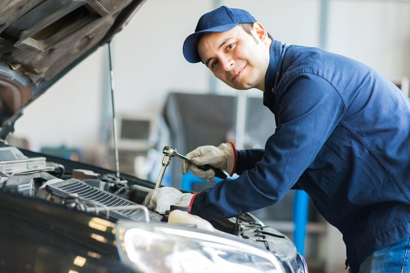 How Can You Find A Good Mechanic For Mercedesservice Car Mechanic Mechanic Auto Repair Shop