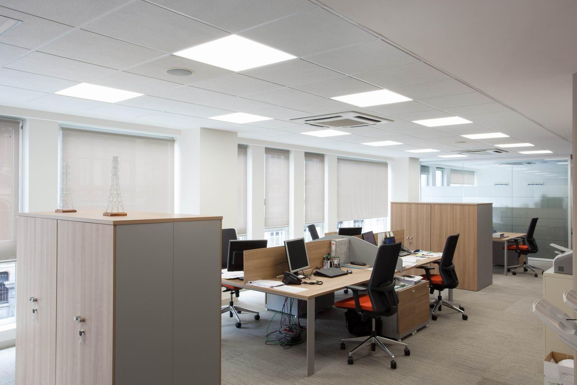 Proyecto de iluminacion led oficinas en bilbao con for Iluminacion oficinas modernas