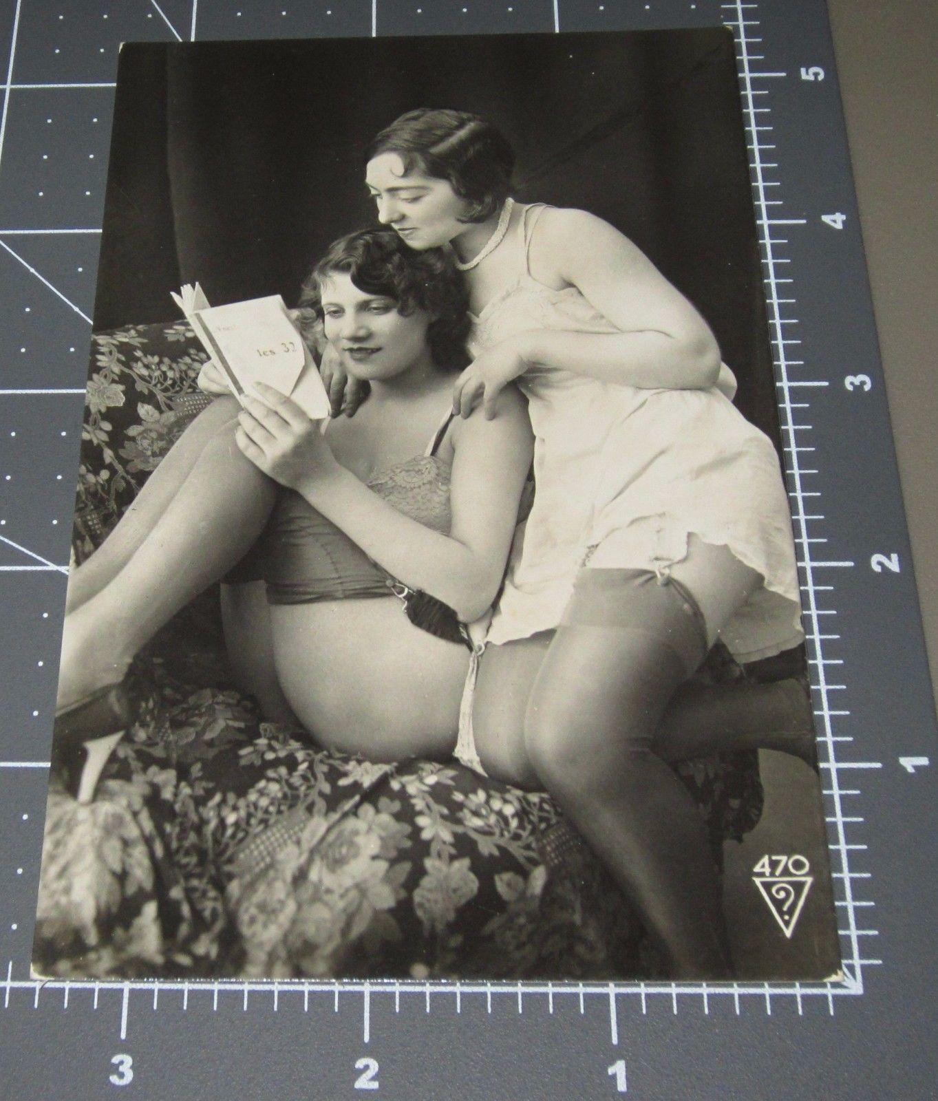 naked adult lesbians
