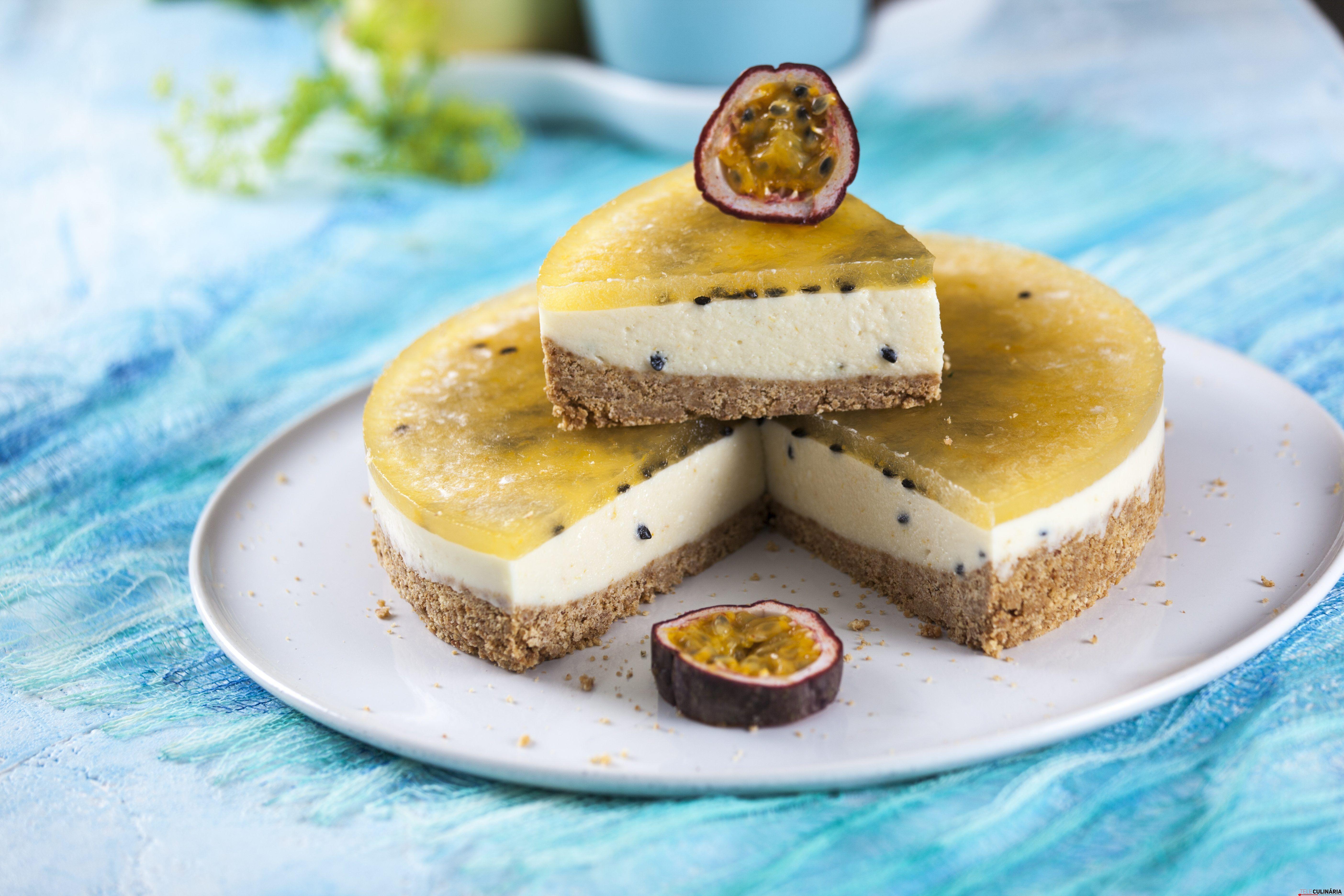 Receita de Semifrio de maracujá. Descubra como cozinhar Semifrio de maracujá de maneira prática e deliciosa com a Teleculinária!