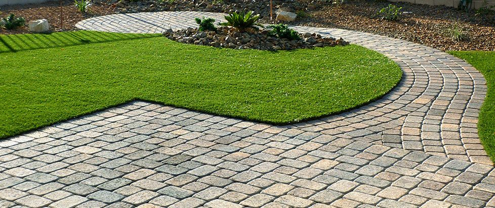 Patio Designs Pavers Grass : Backyard landscaping ideas for dogs artificial grass