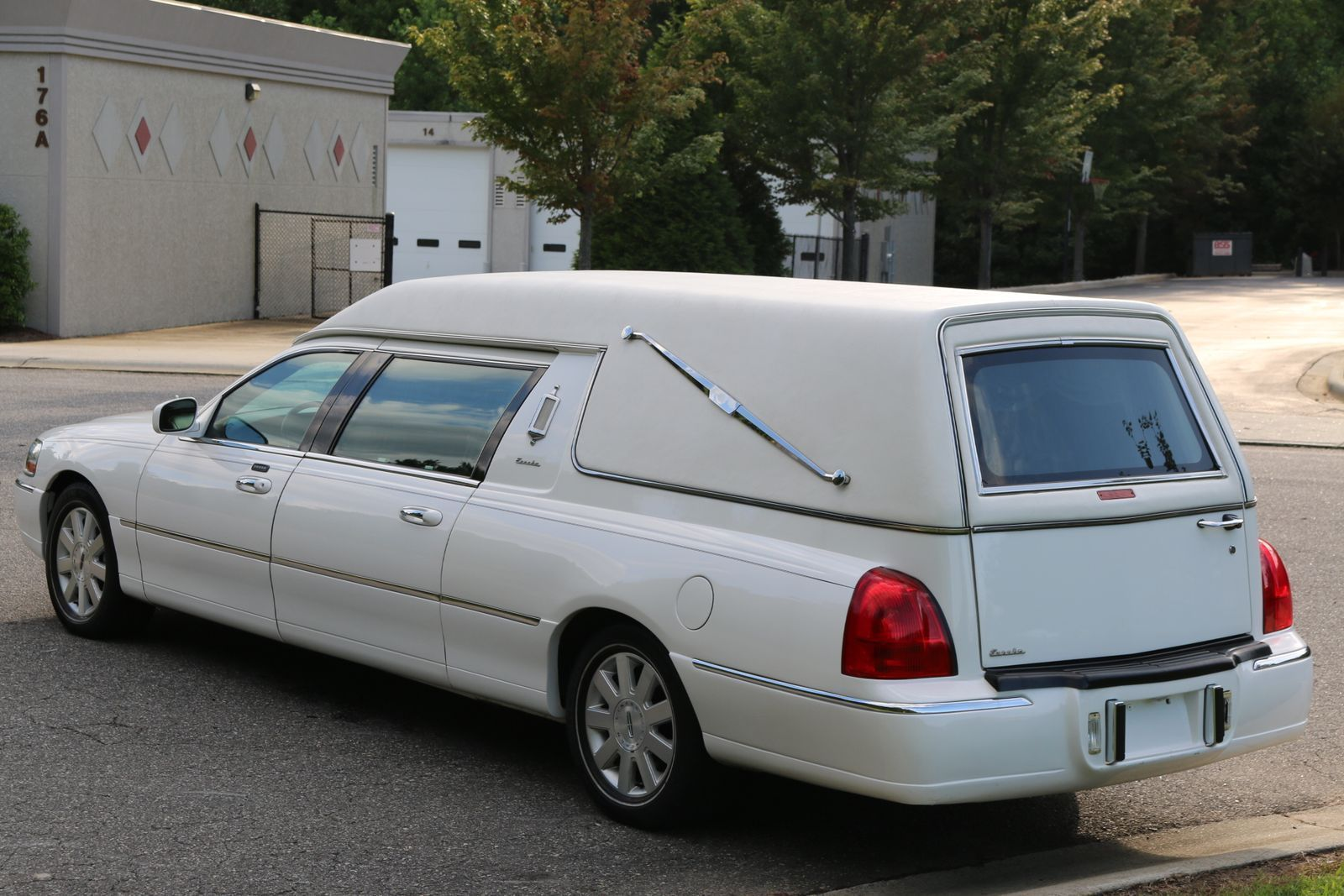 2003 Lincoln Continental Town Car Hearse By Eureka Coach Company