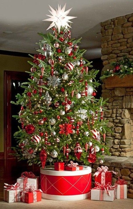 DIY Christmas Tree Stands, 2013 red Christmas Tree Stands wood #2013