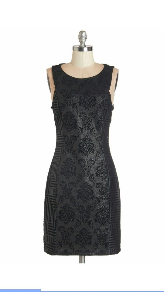 Size large black demask dress