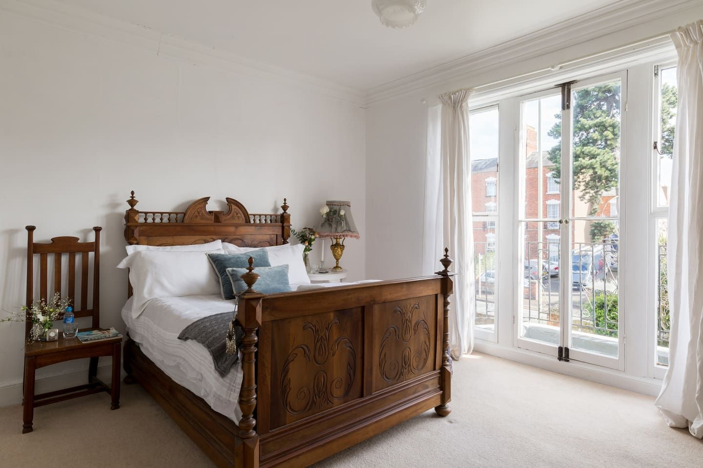 B and B Kingholm Gloucester. Bed & Breakfasts for Rent