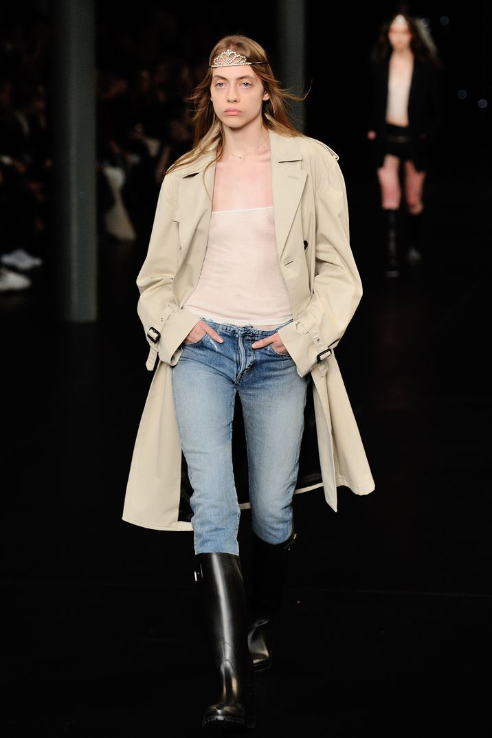 Paris Fashion Week 2015: Saint Laurent