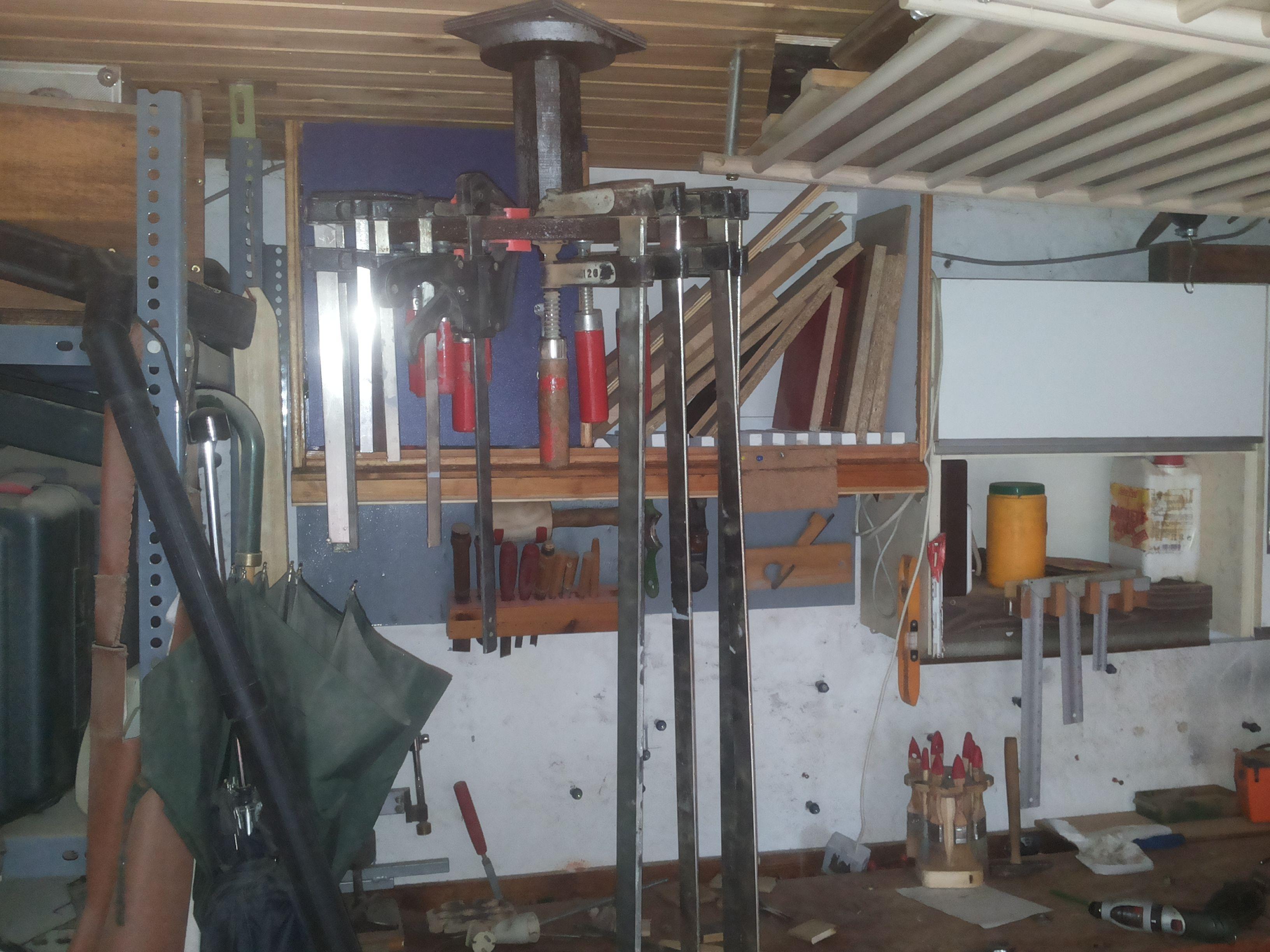 miniprojekt schraubzwingen rondell auf einem halben quadratmeter werkstatthelfer 1 2 do. Black Bedroom Furniture Sets. Home Design Ideas
