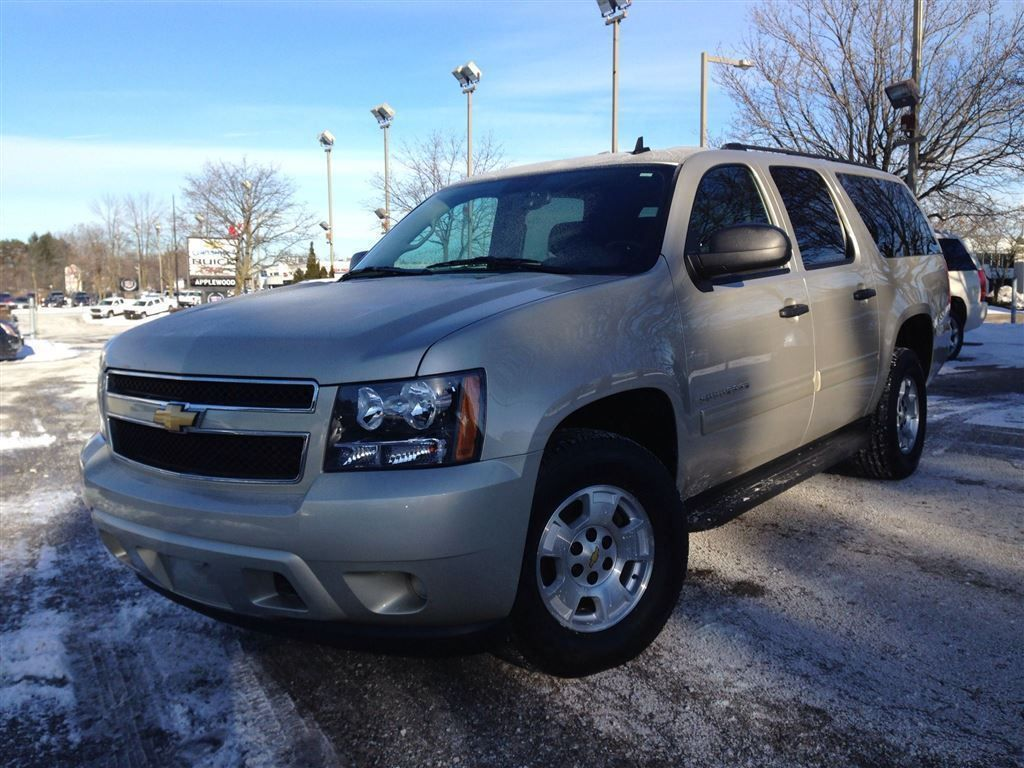 2013 Chevrolet Suburban In Mississauga On Photo 1 Price Ca 39
