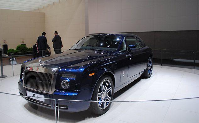 The 9 0 Litre V16 Rolls Royce Phantom Coupe For Johnny English Rolls Royce Rolls Royce Phantom Coupe Rolls Royce Phantom