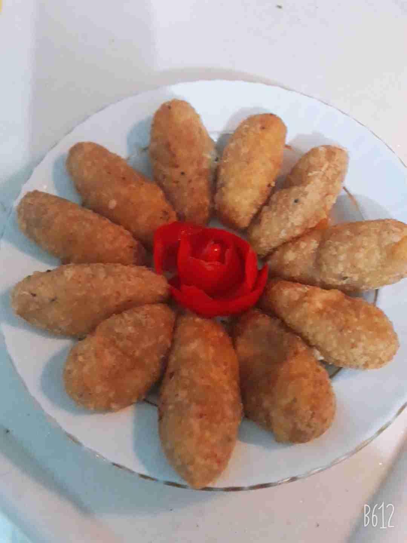 كروكيت بطاطا بالجبنة طعم لذيذ ومقرمش زاكي Recipe Food Breakfast Sausage