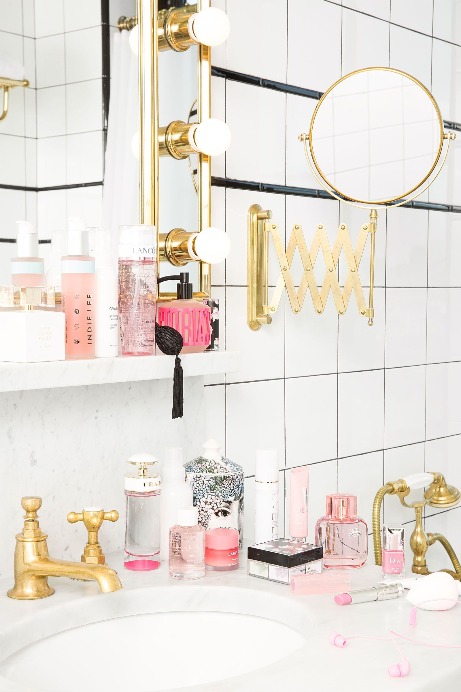 All Of The Beauty Products You Need To Make Your Bathroom Look Chic