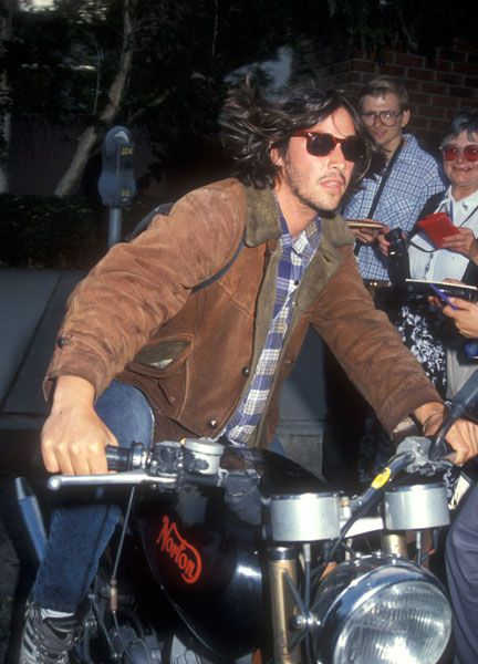 keanu reeves motorcycle-Could this picture be any better?