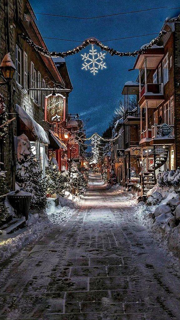 Christmas - Canada - QUEBEC - Rue de Petit Champlin-01