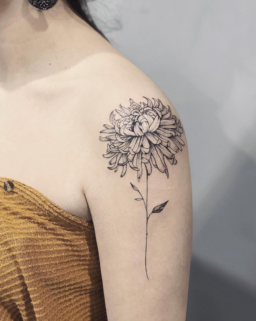 Chrysanthemum For Abi Done At Philly Tattoo Convention Villainarts Chrysanthemumtattoo Inkedmag In 2020 Chrysanthemum Tattoo Birth Flower Tattoos Tattoos