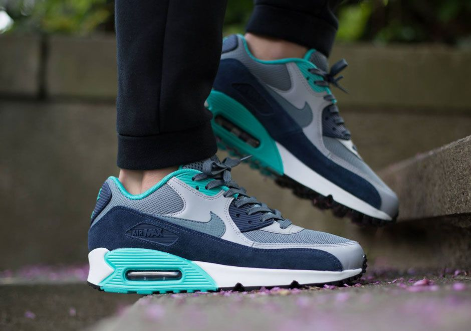 bright blue air max 90