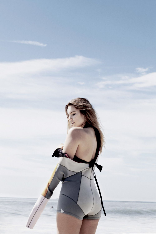ecde338ef7 Bree warren roxy cynthia rowley surfer girl surfer travel blogger model  plus size model beach shoot