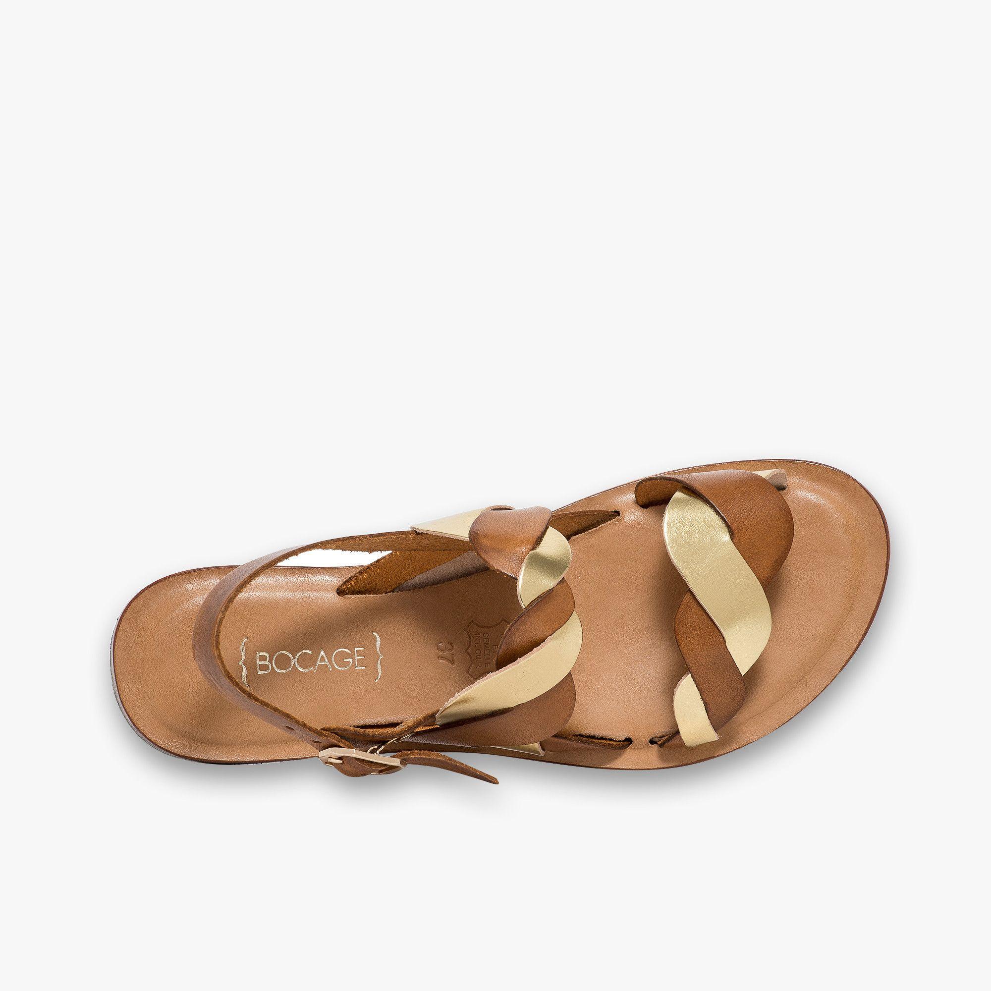 Sandale plate en cuir cognac et or en 2019 | Chaussure