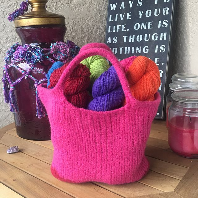 Knitting Patterns Galore - Be So Brave Felted Bag | knit bags ...