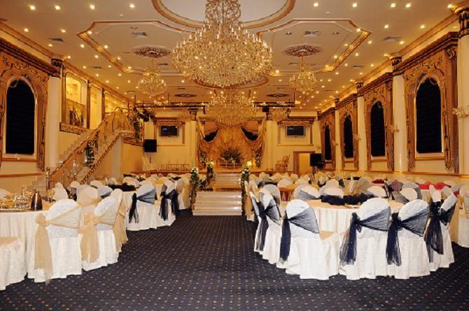 قاعة ليلة عمر للاحتفالات بجدة Table Decorations Home Decor Decor