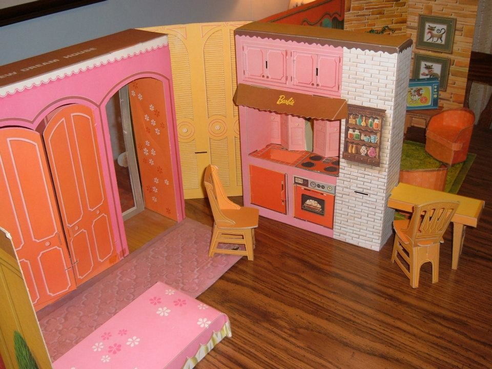 Barbie Dolls Hello Dreamhouse Dollhouse W Kitchen: Bedroom And Kitchen Of Barbie's New Dream House, 1963