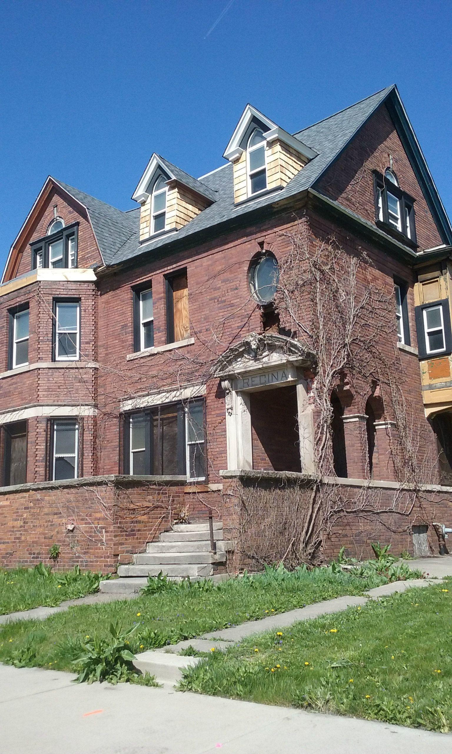 Abandoned mansion in Brush Park, Detroit, MI  | Abandoned Mansions