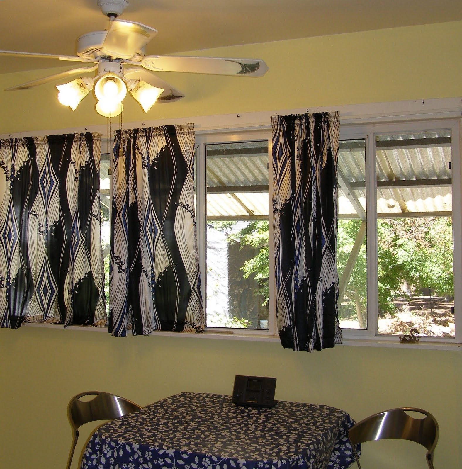 Best Curtains For Short Wide Windows   Short window curtains ...