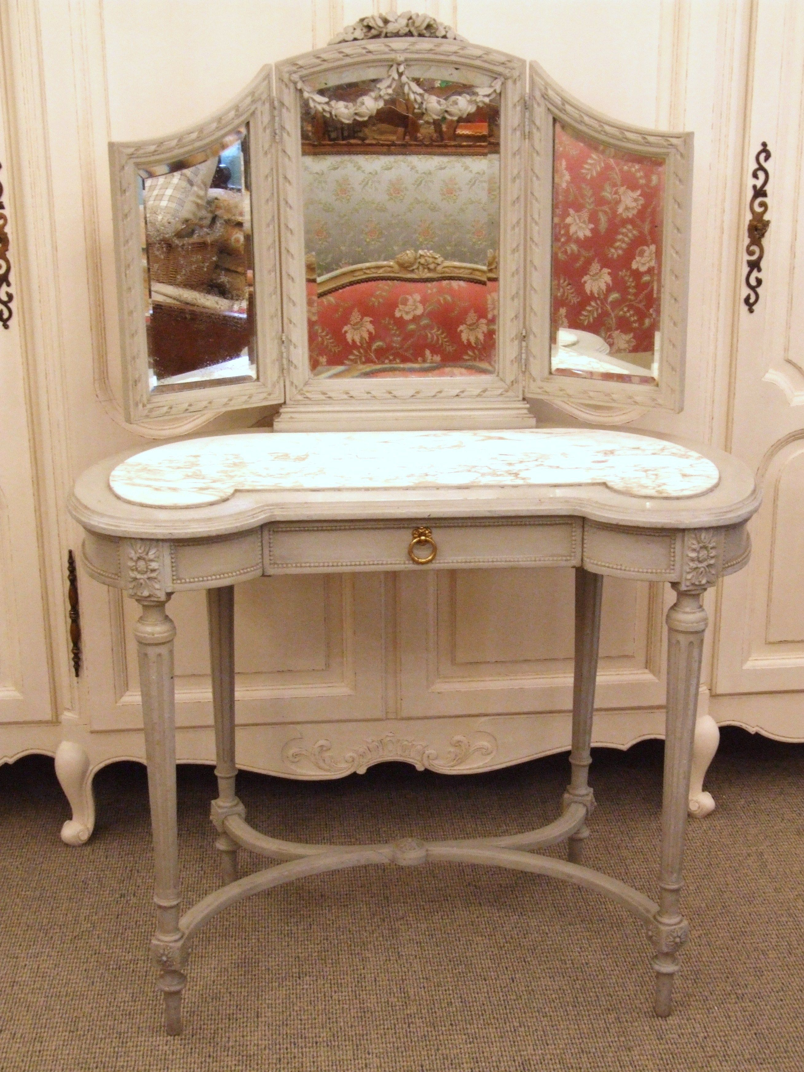 F425 Antique French Painted Dressing Table Redo