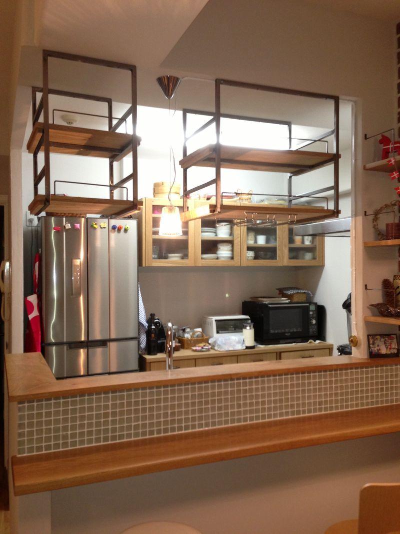マンションリフォームで アイアン吊り棚が付きました リビング キッチン 吊り棚
