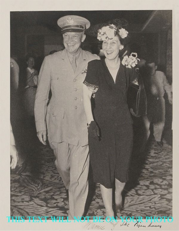 DWIGHT IKE D EISENHOWER AND MAMIE EISENHOWER AUTOGRAPHED 8x10 PHOTO