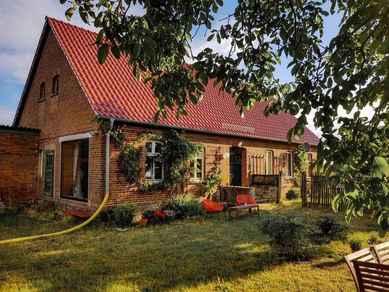 Schoner Ruhiger Bauernhof Mit Grossem Garten Hauser Zur Miete In Wusterhausen Dosse Haus Mieten Bauernhof Haus
