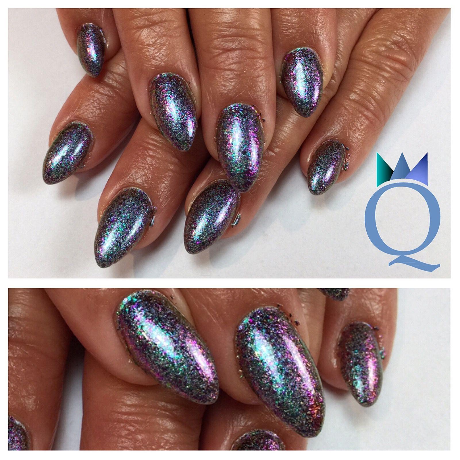 almondnails #gelnails #nails #holoflakes #mandelform #gelnägel ...