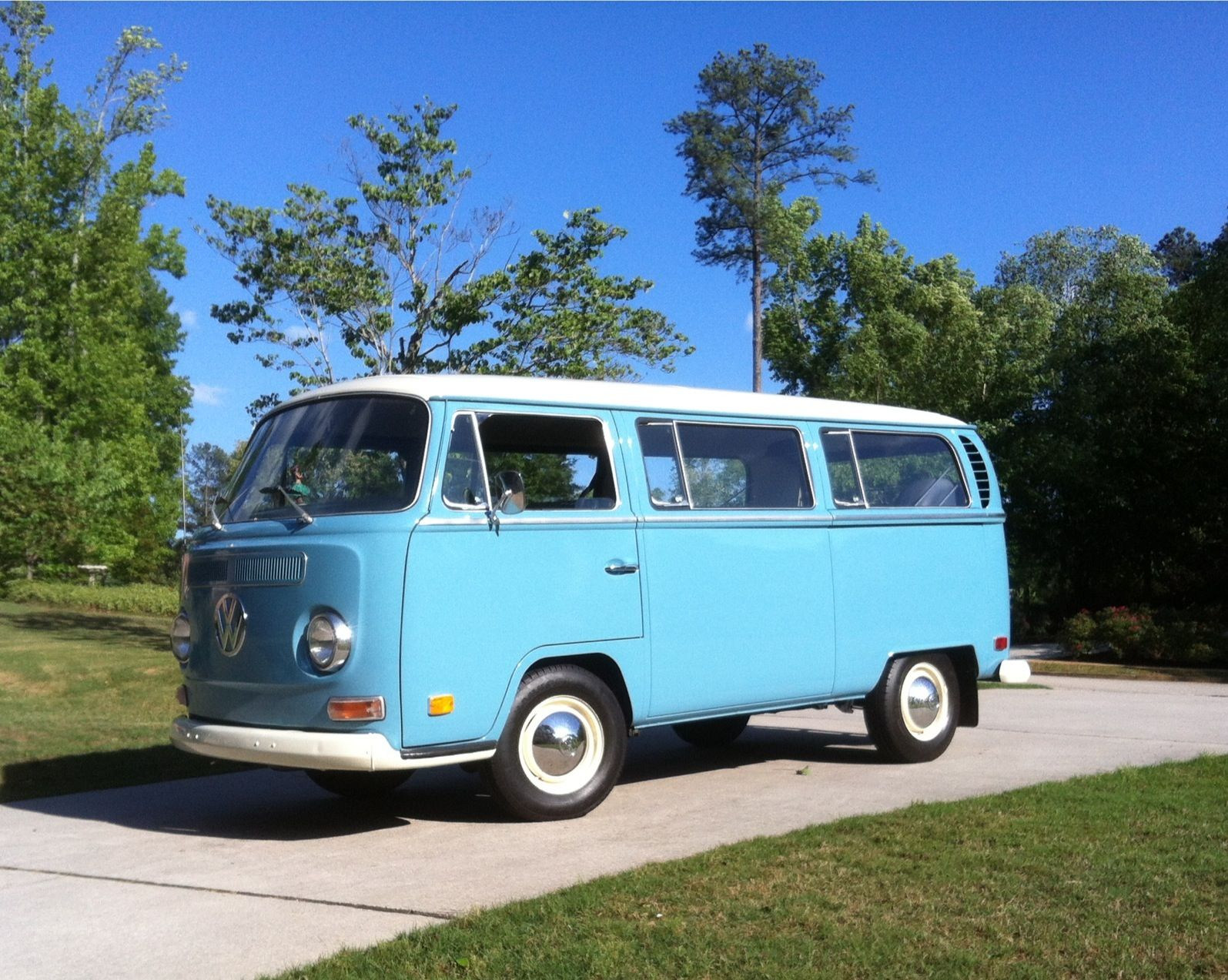 1970 VW Bus (These were EVERYWHERE in Oregon and they