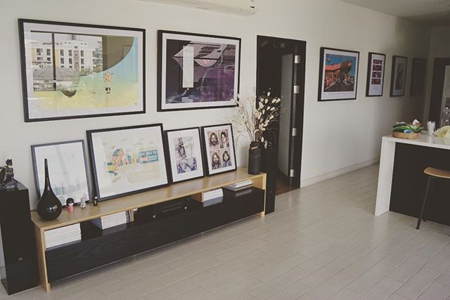 Living Room Or Gallery #home #livingroom #art #interiordesign  @richpellegrinoart @niiqshop