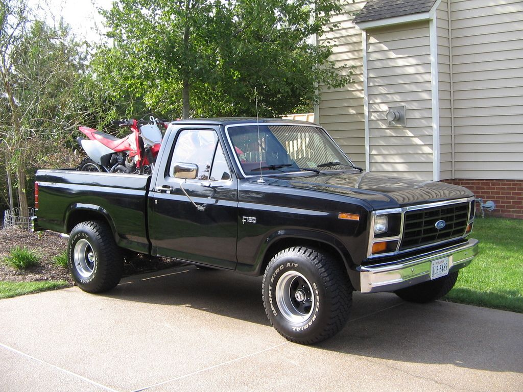 1984 ford f150 what i have but lifted a lot more