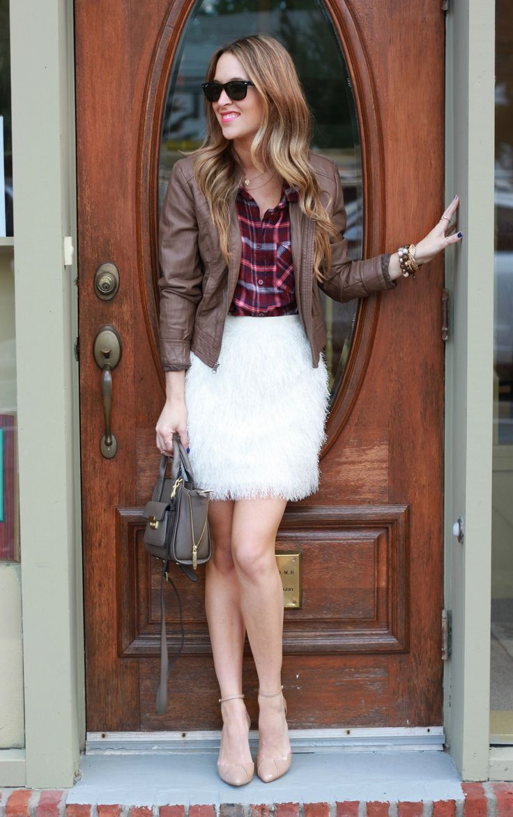 Flannel shirt outfit women  Jill Huff on  Ray ban sunglasses Fashion designers and Discount sites