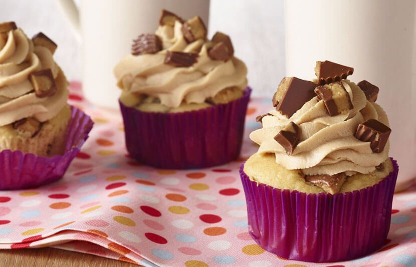 peanut butter crumble cupcakes