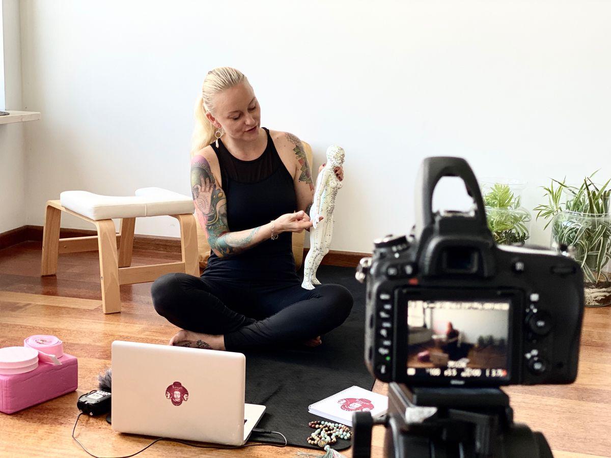 300hrs online yinyoga yttc in 2020 yoga teacher training