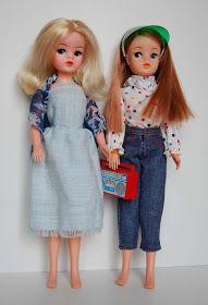 Mojou prvou bábikou a lá Barbie bola Sindy od britskej firmy Pedigree. Dostala som ju ako dieťa, tuším som začala chodiť do školy akurát. B...