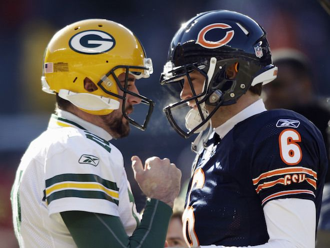 Bears Fan Eddie Vedder Asked Aaron Rodgers If He Could Be Traded For Jay Cutler Green Bay Packers Funny Green Bay Packers Football Packers Funny