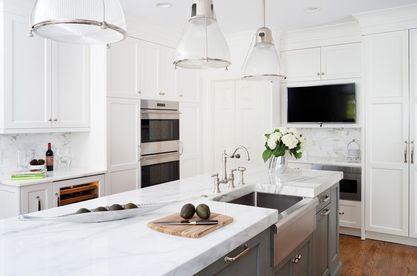 Hedy Shashaani Reconfigured The Once Cramped Kitchen Which Now Features Elmwood Fine Custom Cabinetry