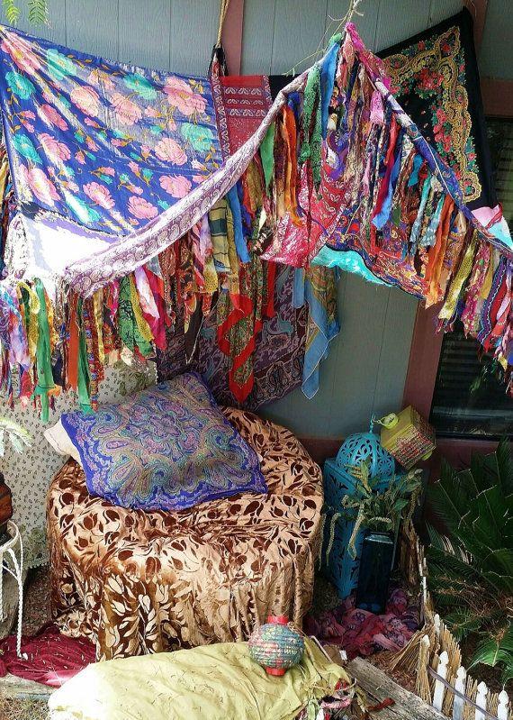 Boho bedroom patio canopy bohemian hippy vtg bed scarves for Decoracion hogar hippie