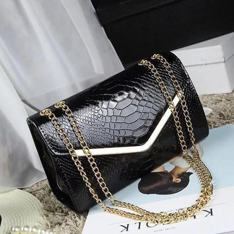 d4b86f179e7c 2018 New Crocodile Messenger Bags Women Summer Fashion leather Bag women  travel Beach Cross Body Bag
