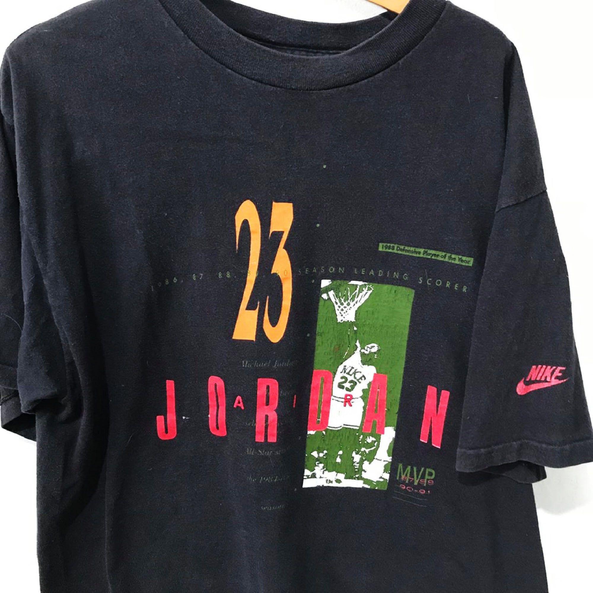 Vintage Nike Shirt Size L Free Shipping 90s Nike Michael Jordan Nike Nikejordan 23 Michaeljordan Hype Vintage Vint Nike Shirts Vintage Nike Vintage Tees